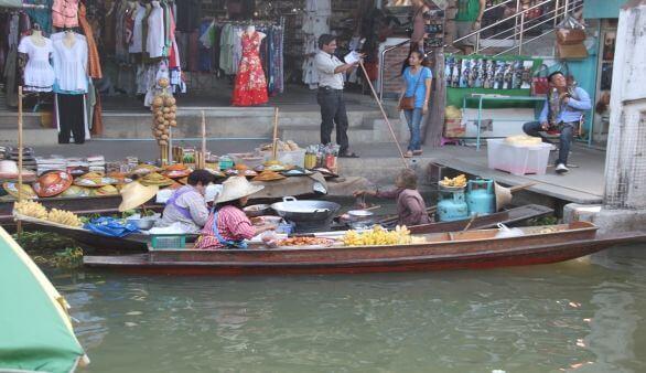 Amphawa Floating Markets
